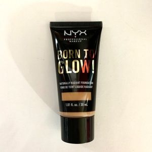 NYX Born To Glow Foundation Shade Beige